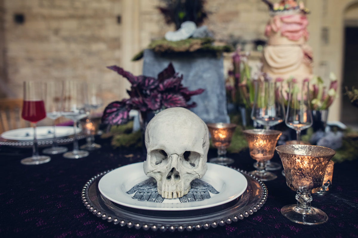 alternative wedding cakes archives the eclectic wedding extravaganza. Black Bedroom Furniture Sets. Home Design Ideas